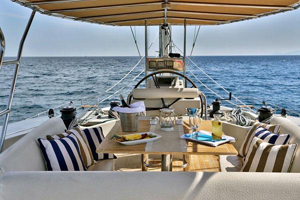 catamaran-anassa-10s