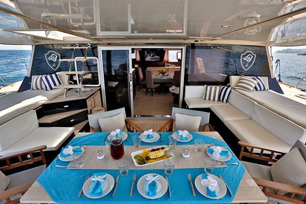 catamaran-anassa-17s