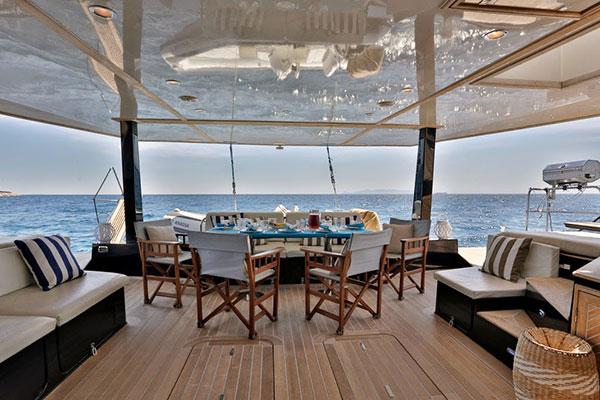 catamaran-anassa-18s