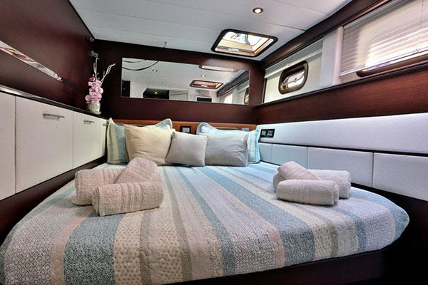 catamaran-anassa-20s
