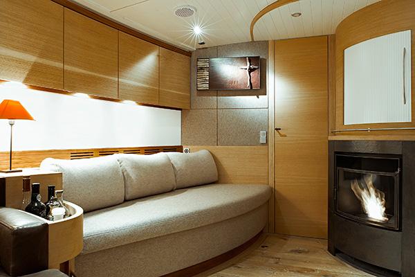 sailingyacht-helene-10s