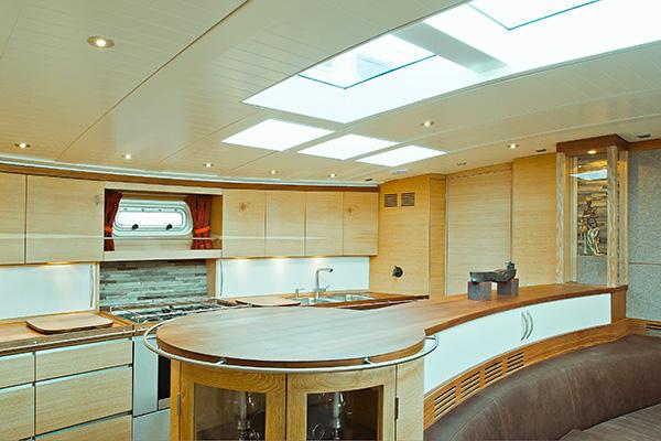 sailingyacht-helene-12s