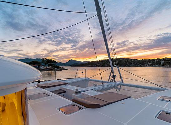 catamaran-moya-8s