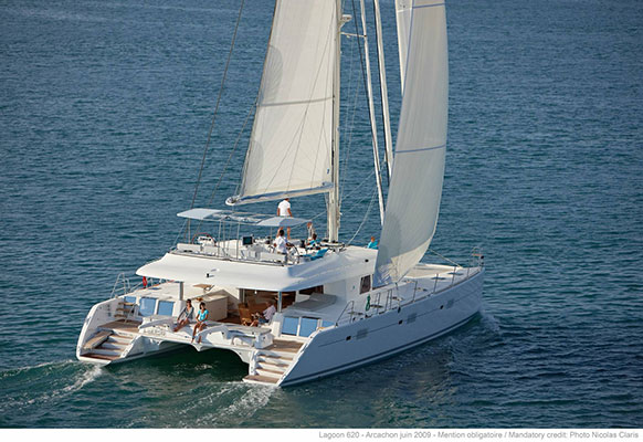 mgyachts-catamarans_myoffice-1s