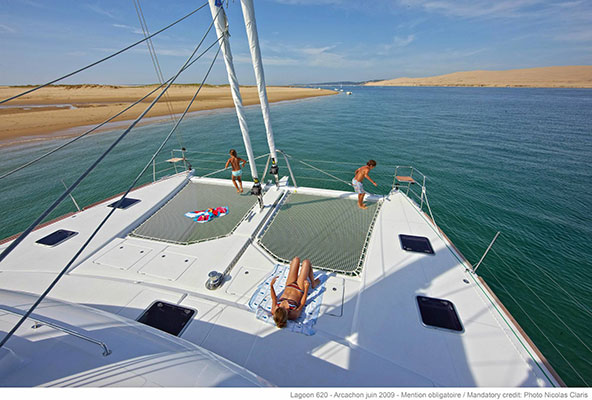 mgyachts-catamarans_myoffice-2s