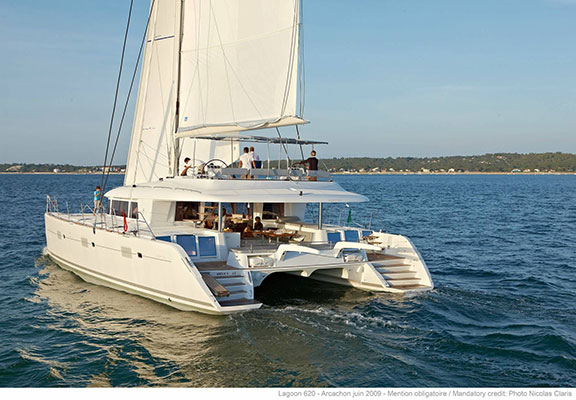 mgyachts-catamarans_myoffice-5s