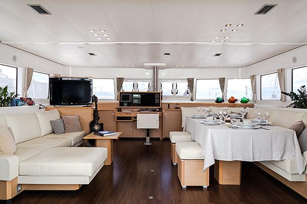 catamaran-nova-8s