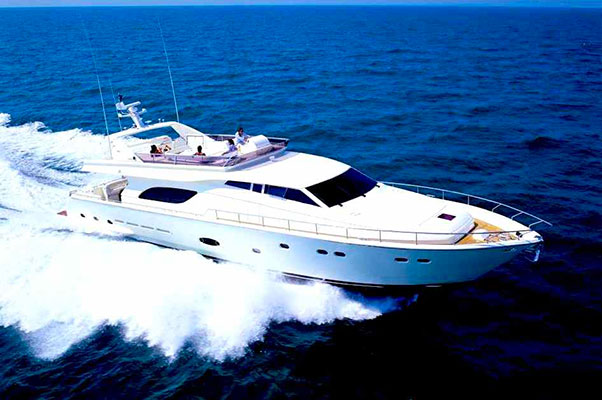 motor-yachts-amor-01s