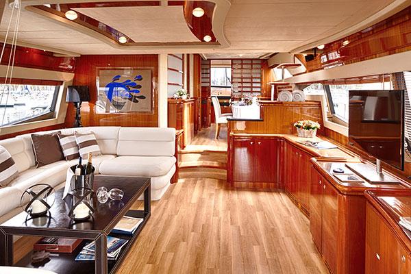 motor-yachts-amor-05s