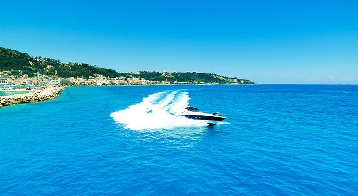 motor-yachts-irida-02s
