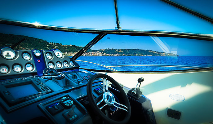 motor-yachts-irida-08L