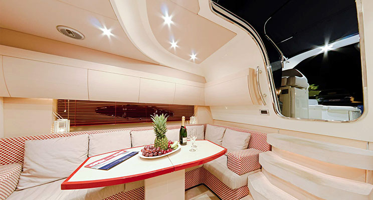 motor-yachts-irida-09L