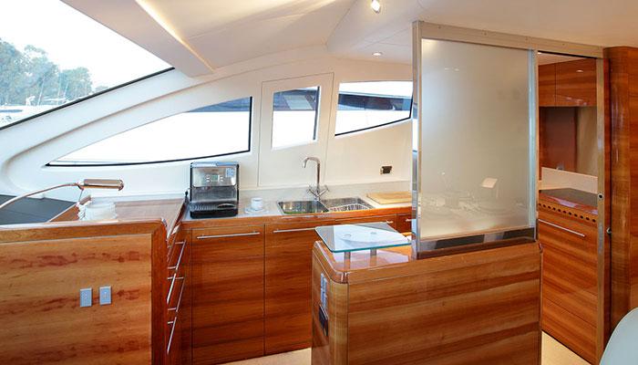 motor-yachts-georgev-10s