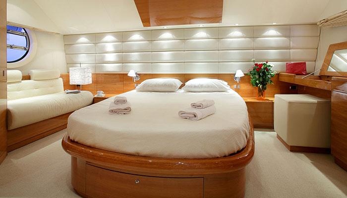 motor-yachts-georgev-12s