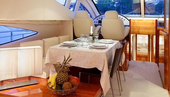 motor-yachts-georgev-8s