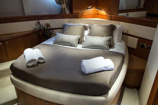motor-yachts-myjoy-10s