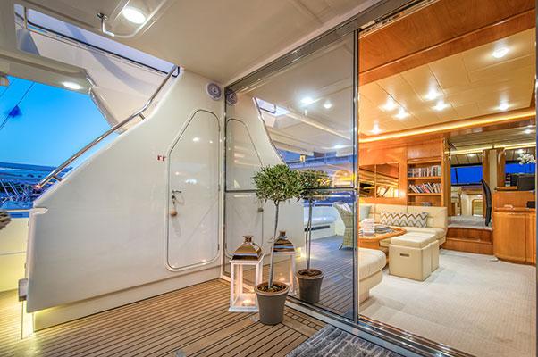 motor-yachts-vento-11s