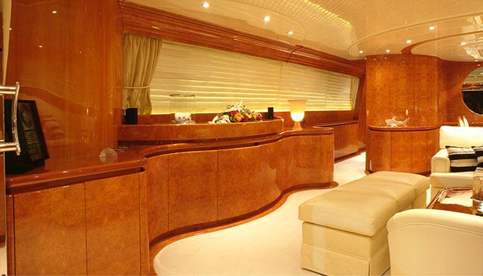 motor-yachts-zoi-10s