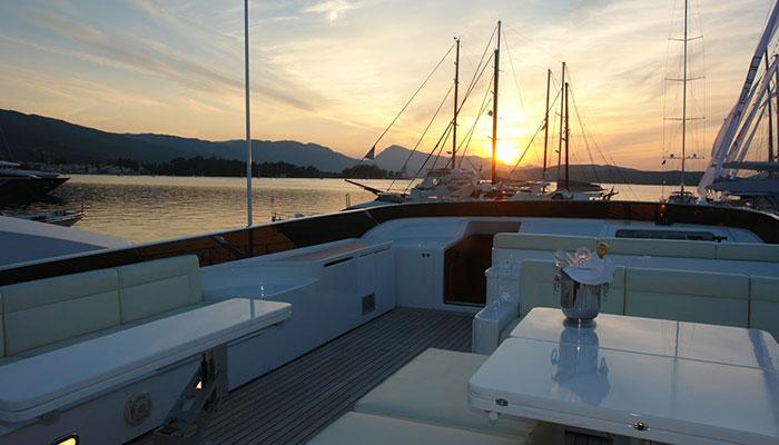 motor-yachts-zoi-8s