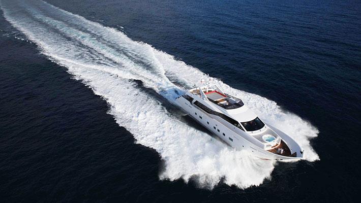 motor-yachts-aurora-3s
