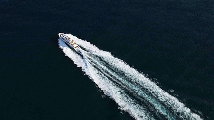 motor-yachts-aurora-5s