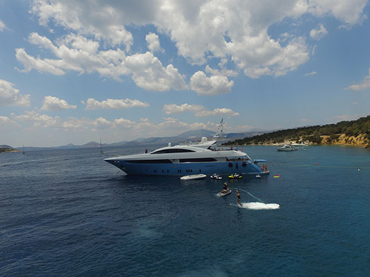 motor-yachts-barentsea-2s