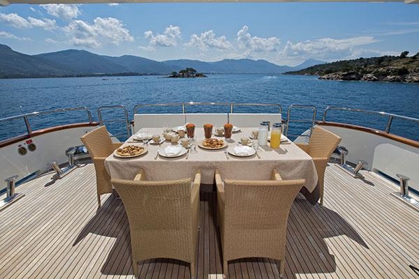 motor-yachts-bonito-02s