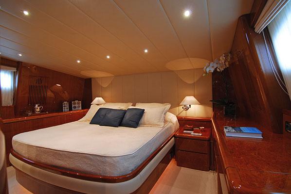 motor-yachts-bonito-10s
