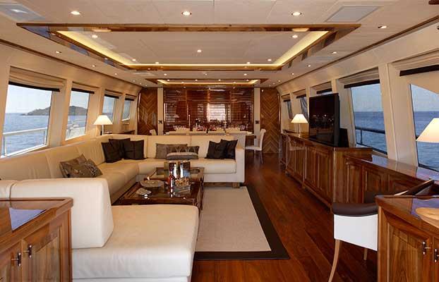 motor-yachts-dragon-05s