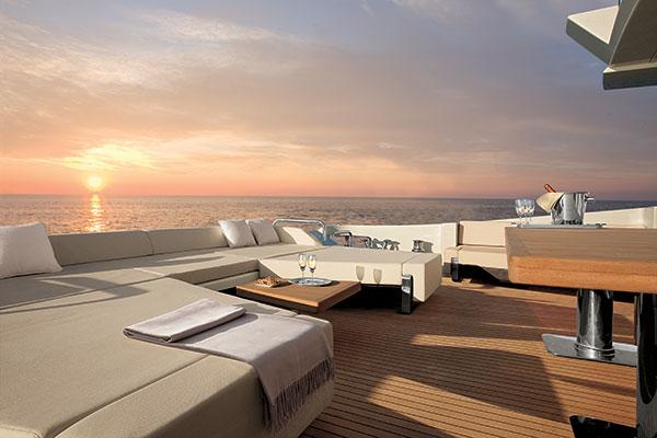 motor-yachts-duke-03s