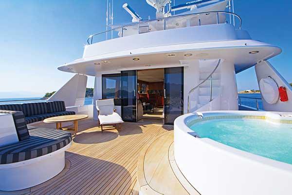 motor-yachts-EndlessSummer-03s