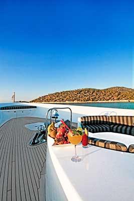 motor-yachts-EndlessSummer-04s