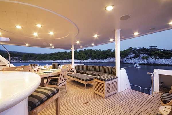 motor-yachts-EndlessSummer-05s