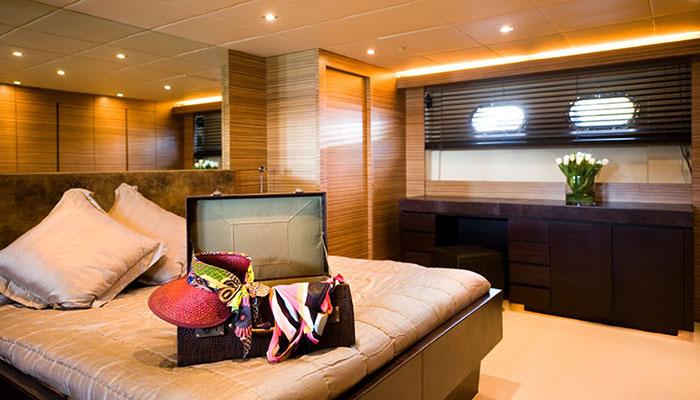 motor-yachts-gioe-13s