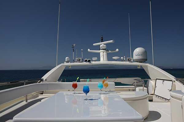 motor-yachts-kentavrosII-05s