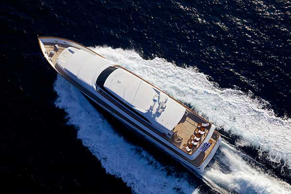 motor-yachts-let_it_be-04s
