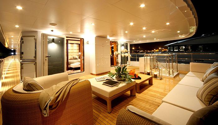 motor-yachts-zaliv-10s