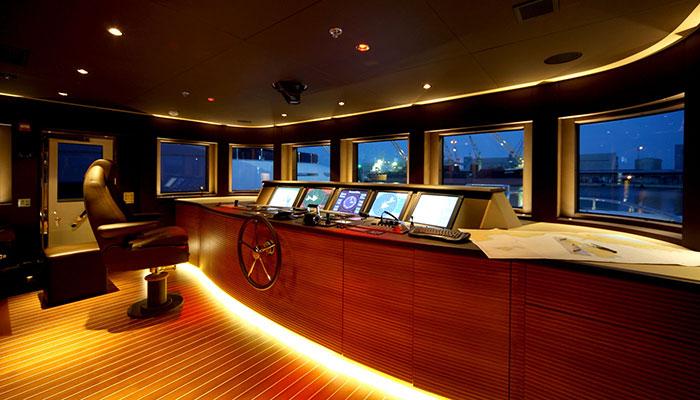 motor-yachts-zaliv-23s