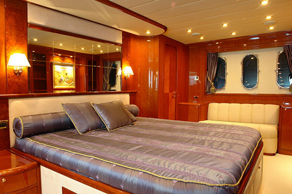motor-yachts-nittav-11s