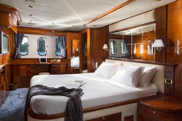 motor-yachts-nittav-12s