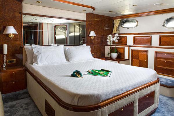 motor-yachts-nittav-13s