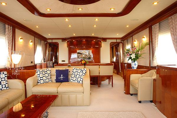motor-yachts-nittav-8s