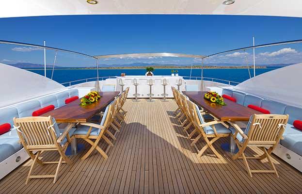 motor-yachts-oceanos-10s