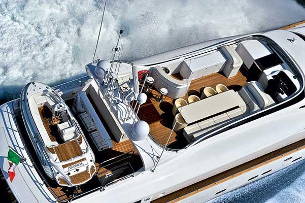 motor-yachts-parisA-02s