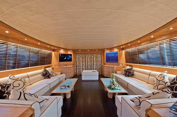 motor-yachts-parisA-04s
