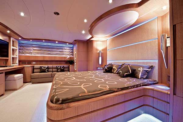 motor-yachts-parisA-06s