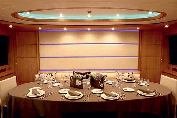 motor-yachts-parisA-07s