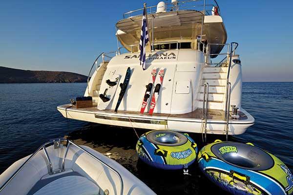 motor-yachts-sanjana-03s