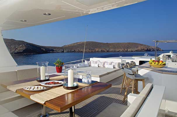 motor-yachts-sanjana-05s