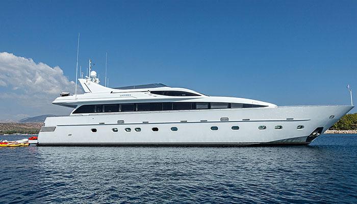 motor-yachts-tropicana-2s